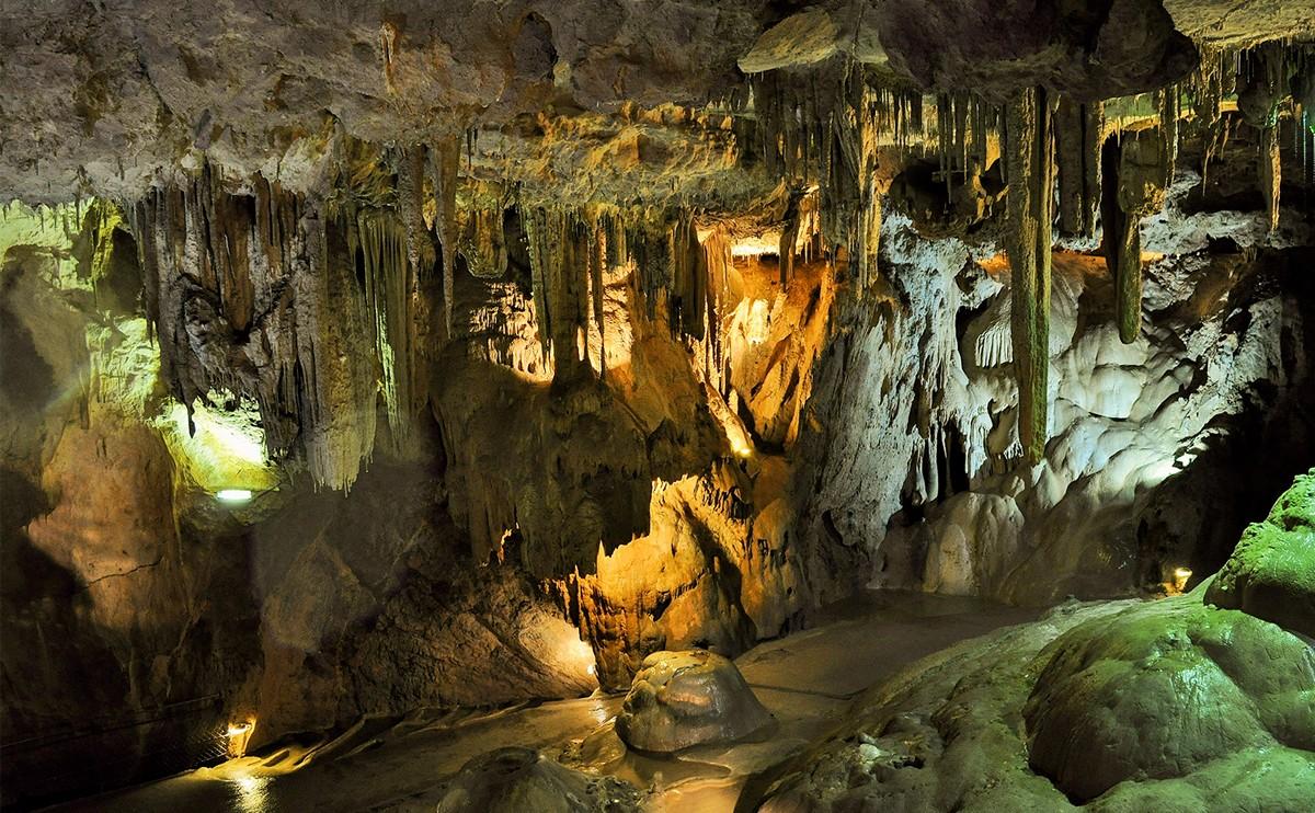 Kalk ist eines der am häufigsten vorkommenden Sedimentgesteine / © Rudi und Peter Skitterians für Pixabay